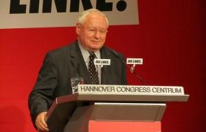 Bald vielleicht wieder in der politischen ersten Reihe zu finden: Oskar Lafontaine, Foto: Volker Bohn unter CC-Lizenz