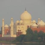 Taj Mahal mit Yamuna River