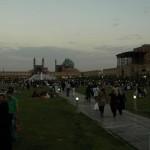 Abends füllt sich der Imam Square mit Menschen zum Picknicken